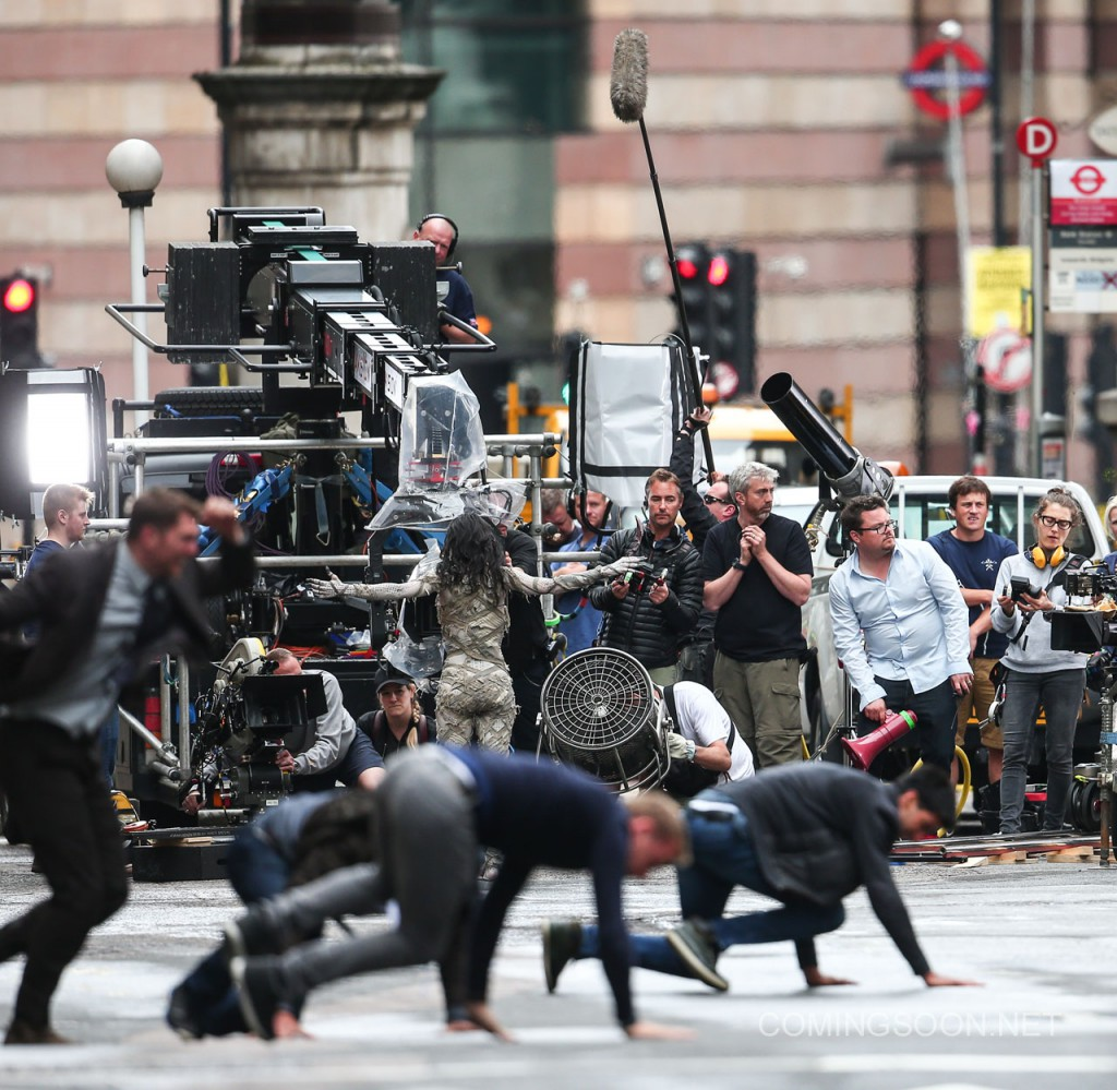 "Sofia Boutella films a scene for ""The Mummy"" in central London Featuring: Sofia Boutella Where: London, United Kingdom When: 10 Jul 2016 Credit: WENN.com"