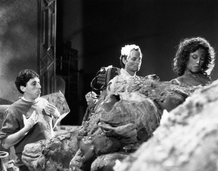 GHOSTBUSTERS, from left, director Ivan Reitman, Bill Murray, Sigourney Weaver, 1984, ©Columbia